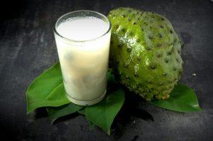 10-beneficios-de-consumir-jugo-de-guanábana-500x333