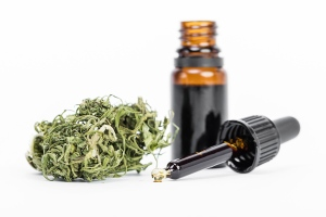 az-natural-selections-main-benefitsof-cannabis-oil-featured
